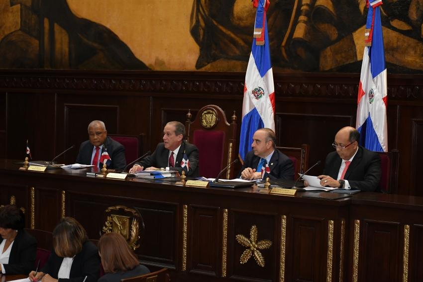 Senado aprueba en primera lectura proyecto de Ley de Aduanas