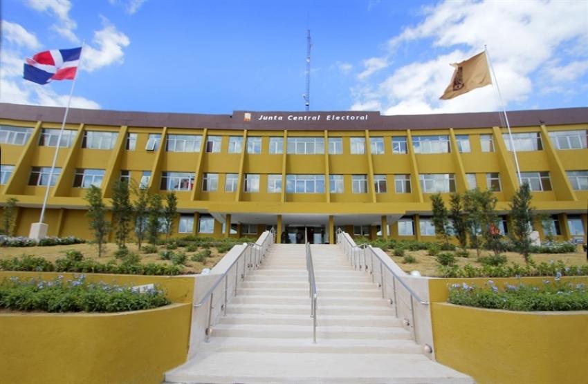 Participación Ciudadana envía observaciones la JCE sobre el proyecto voto automatizado