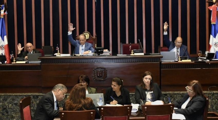 Senado aprueba en segunda lectura proyecto Ley Ordena la Creación de Aulas con Sistema Braille en la ciudad cabecera de cada provincia