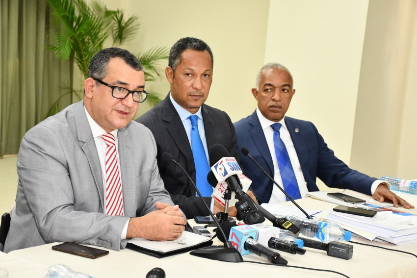Comisión Bicameral escucha al presidente del TSE y al director DGII en torno al Proyecto de Ley de Presupuesto General del Estado para el 2020